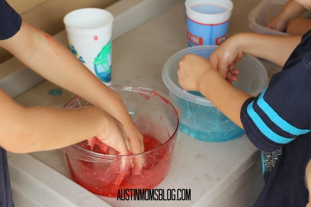 austin-moms-blog-glitterslime-mixslime