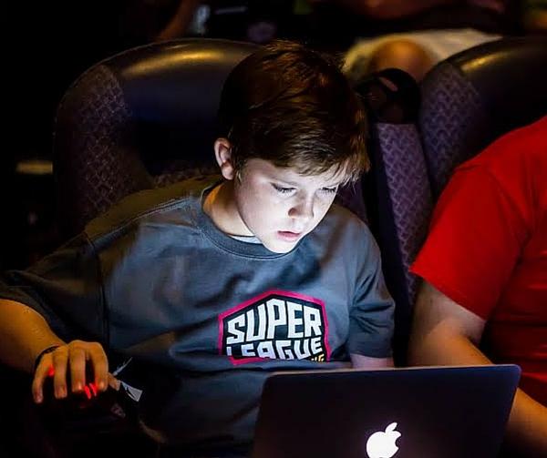 austin-moms-blog-super-gaming-league-minecraft