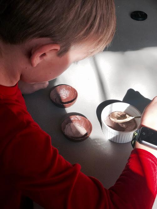 DIY Valentine's Cocoa Bomb